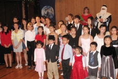 santa-claus-visits-honor-recital-2009_28339176991_o